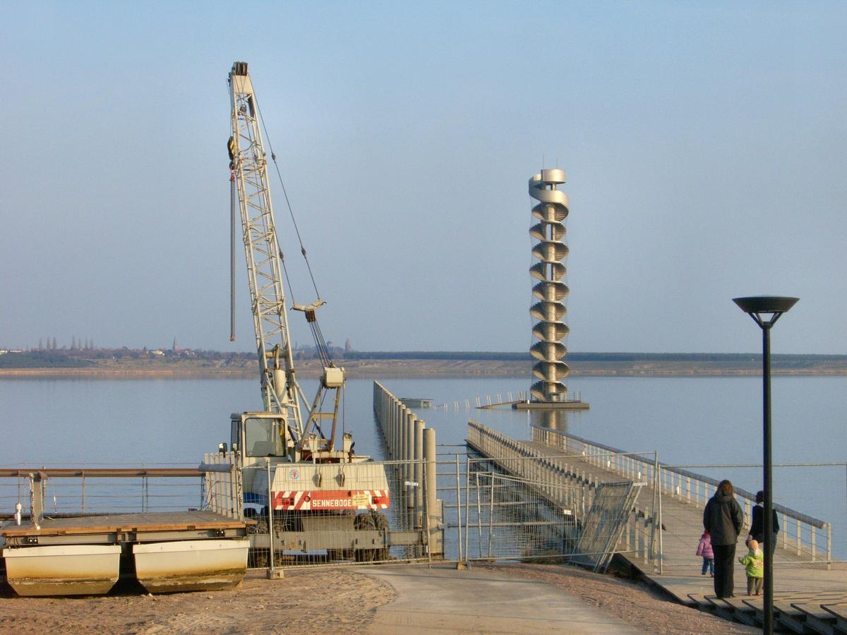 Bitterfeöd: Zerstörte Seebrücke zum Pegelturm nach dem Orkan Kyrill 2007
