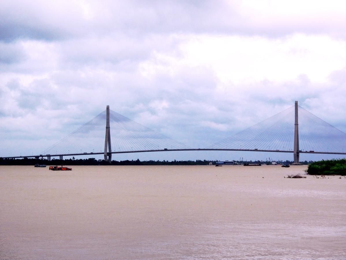 Cuu Long Bridge
