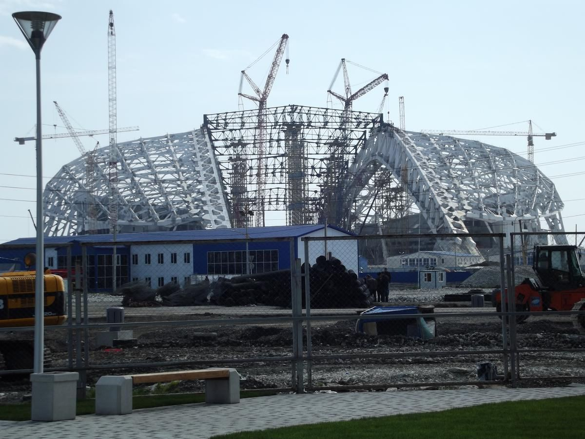 fisht_olympic_stadium_sochi_march_2013.jpg