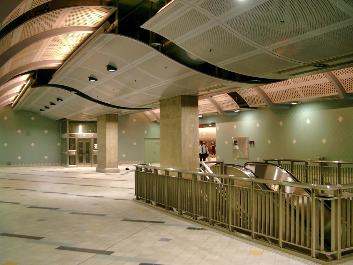 Hollywood & Highland Metro Station