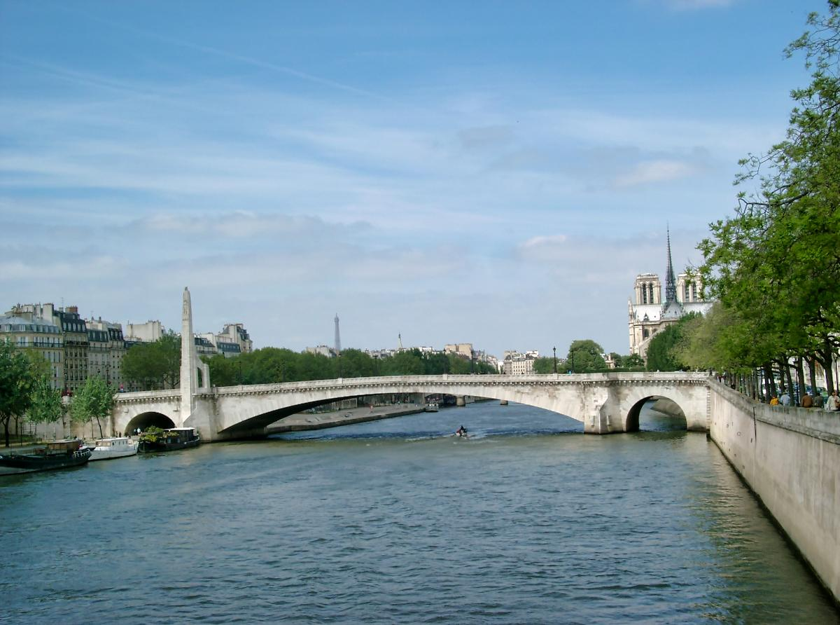 Pont de la Tournelle, Paris.