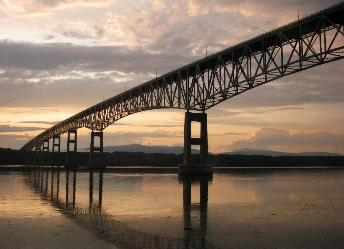Kingston-Rhinecliff Bridge