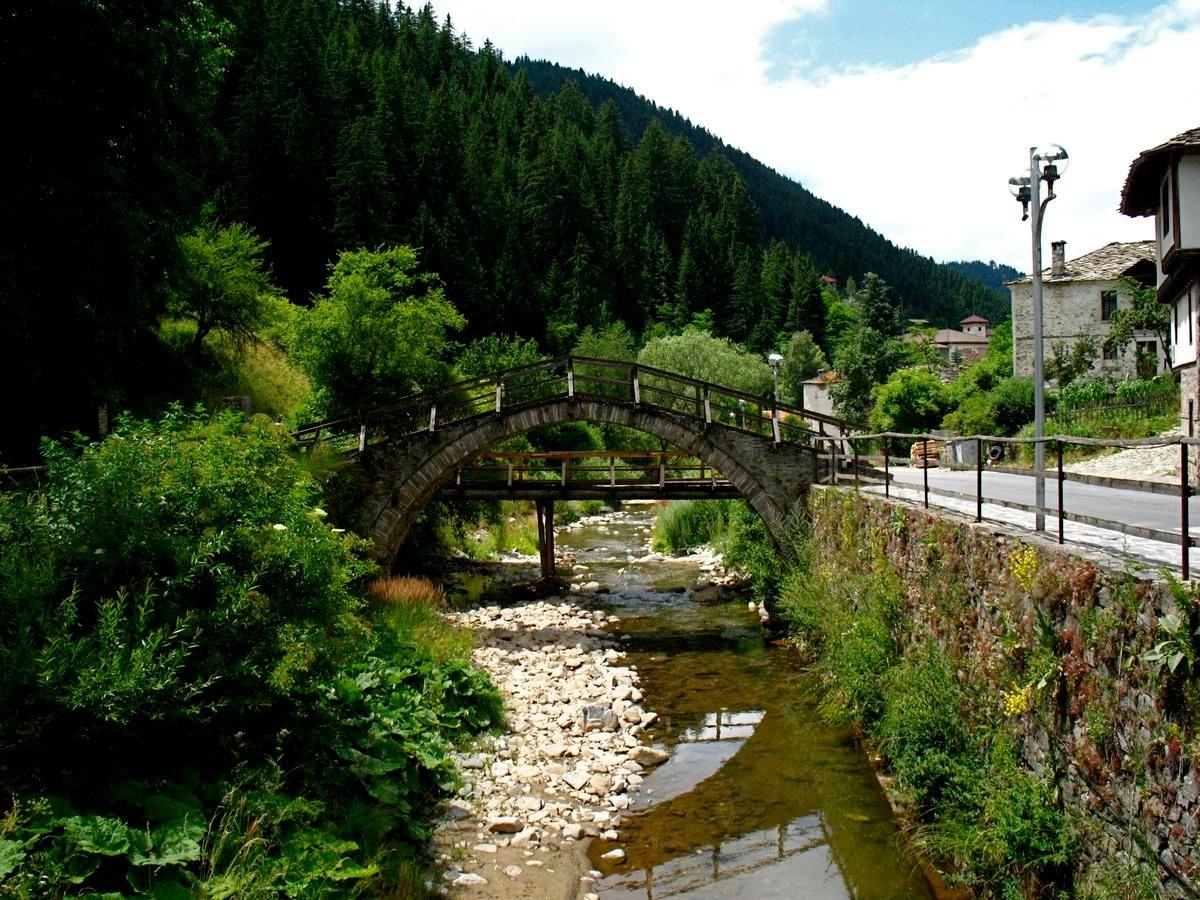 Pont de Chiroka Laka