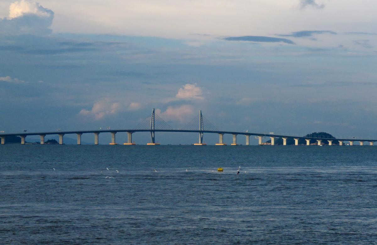 Pont sur le chenal du port de Jiuzhou