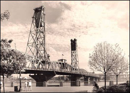 Hawthorne Bridge, Portland, Oregon. Courtesy of Oregon Department of Transportation.
