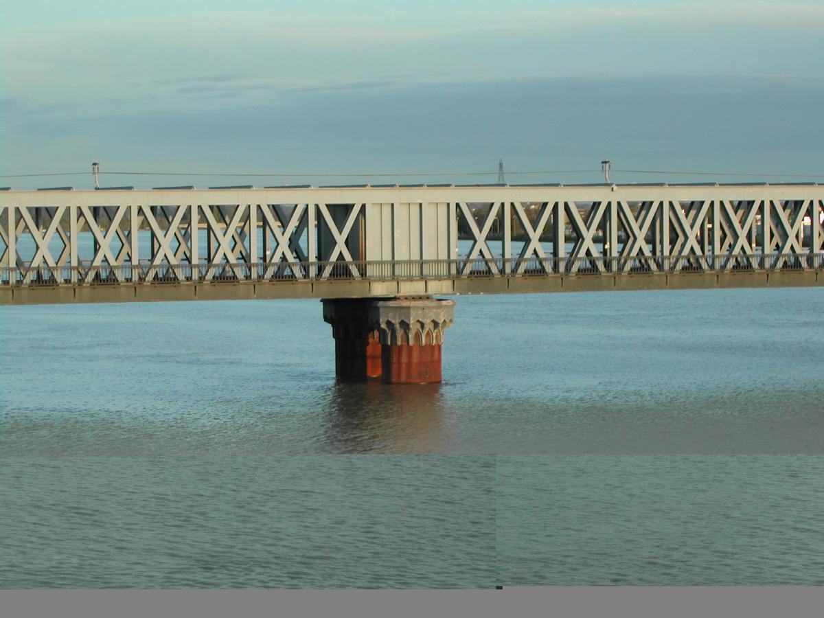 Saint-Jean-Brücke, Bordeaux