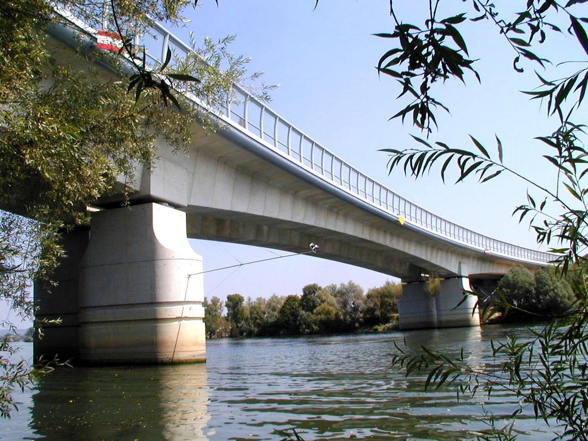 Autoroute A14Mesnil-le-Roi Viaduct