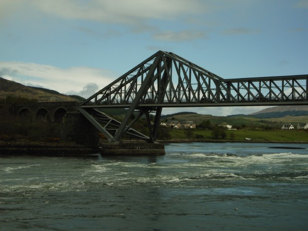 Connel Bridge über die Falls of Lora