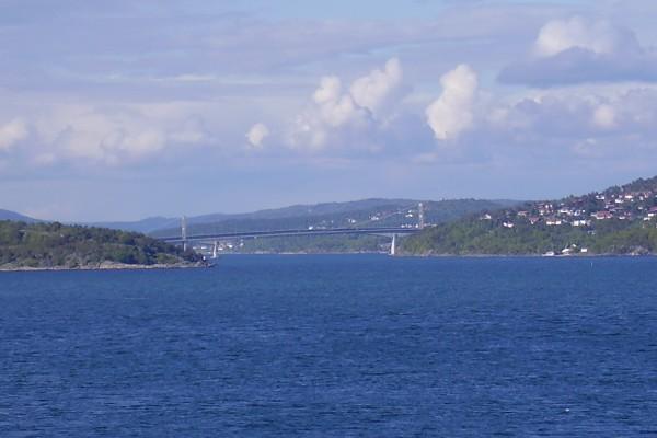 Suspension bridge and concrete bridge east of Kristiansand.