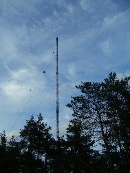 Meteorologischer Meßmast des Forschungszentrums Karlsuhe