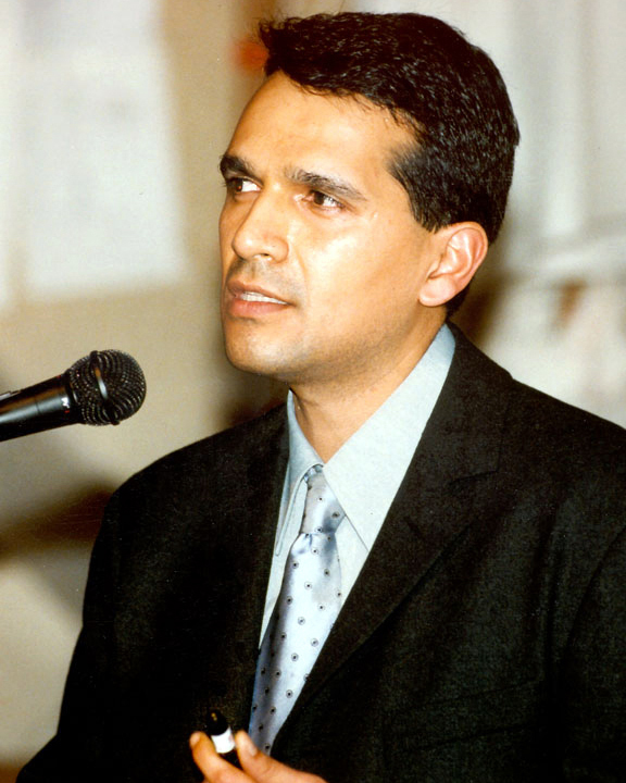 Miguel Rosales.