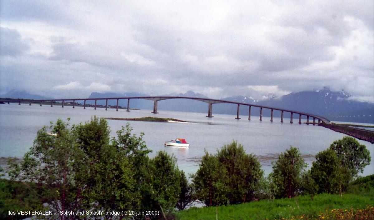 Splish & Splash Bridge, Stokmarknès
