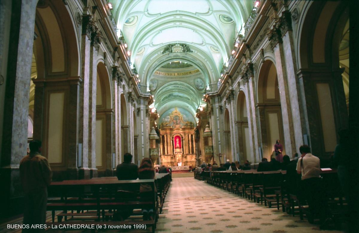 BUENOS AIRES - Plaza de Mayo, intérieur de la cathédrale