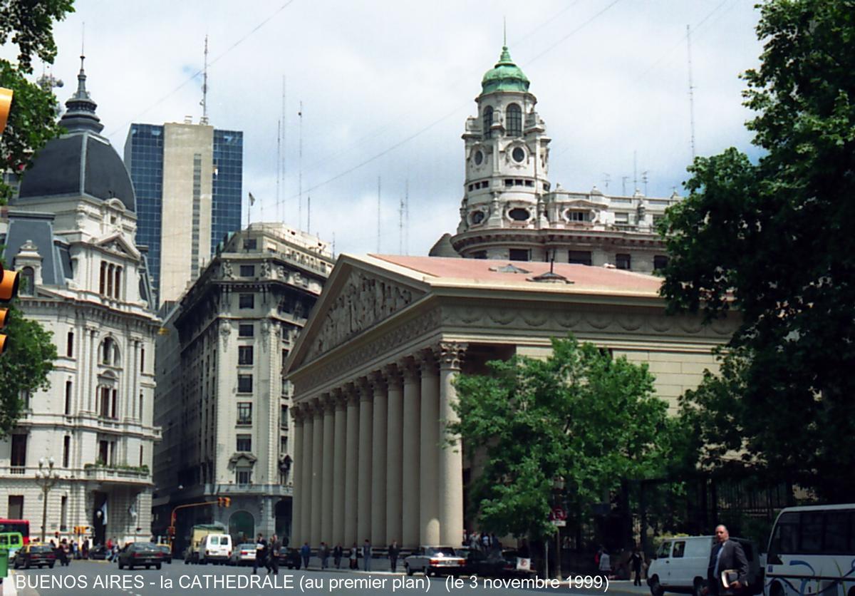 BUENOS AIRES - Plaza de Mayo, la cathédrale, façade principale