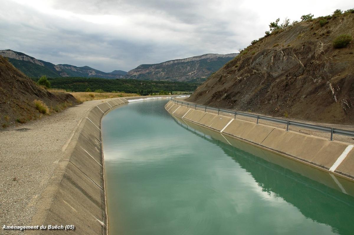 Aménagement du Buëch (05, Hautes-Alpes) – le canal à l'arrivée dans la retenue du Riou