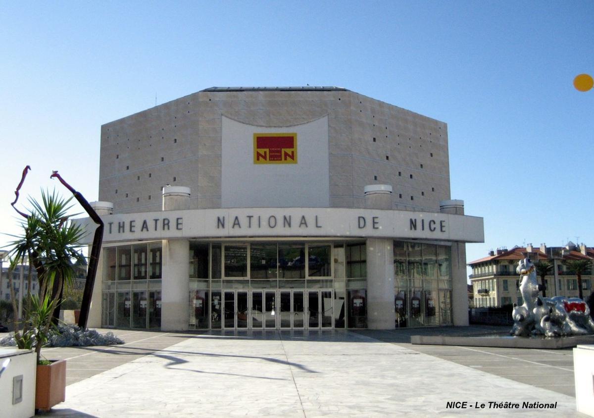 NICE (06,Alpes-Maritimes) - Le Théâtre National construit en 1989 (architectes Yves Bayard et Henri Vidal)