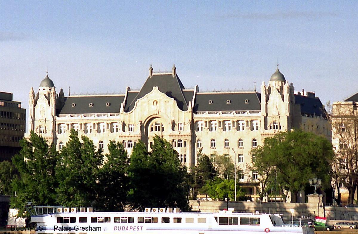 Fiche média no. 50412 BUDAPEST – Le Palais Gresham, ce chef-d'ooeuvre de l'Art-nouveau, achevé en 1907, entièrement rénové, est depuis peu le «Gresham Palace Hôtel»