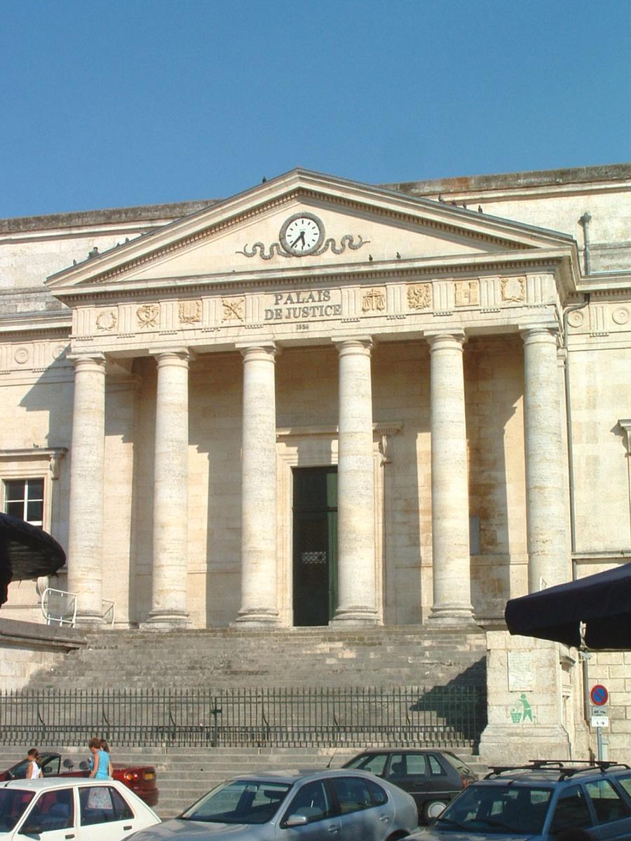 Palais de Justice d'Angoulême construit en 1826