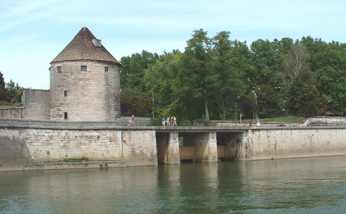 Fortifications of the center town of Besançon.