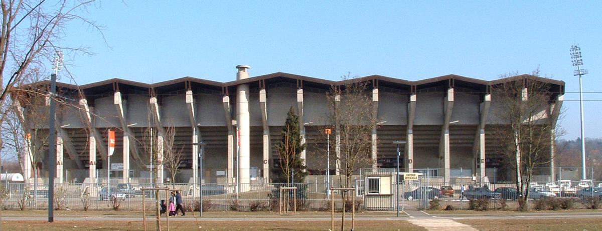 restezchezvous - Le Stade de l'ILL Must_tnarr