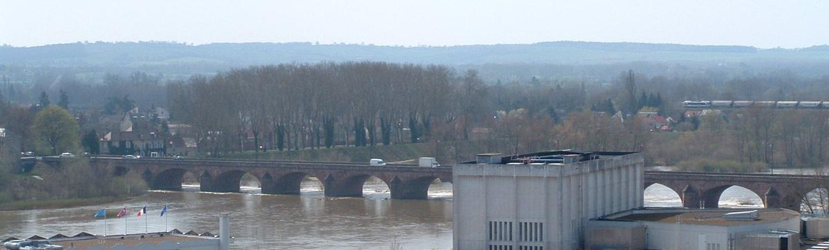 Nevers - Pont Neuf