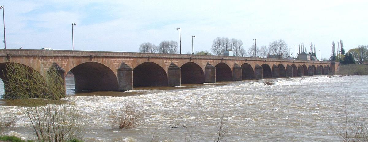 Nevers - Pont Neuf