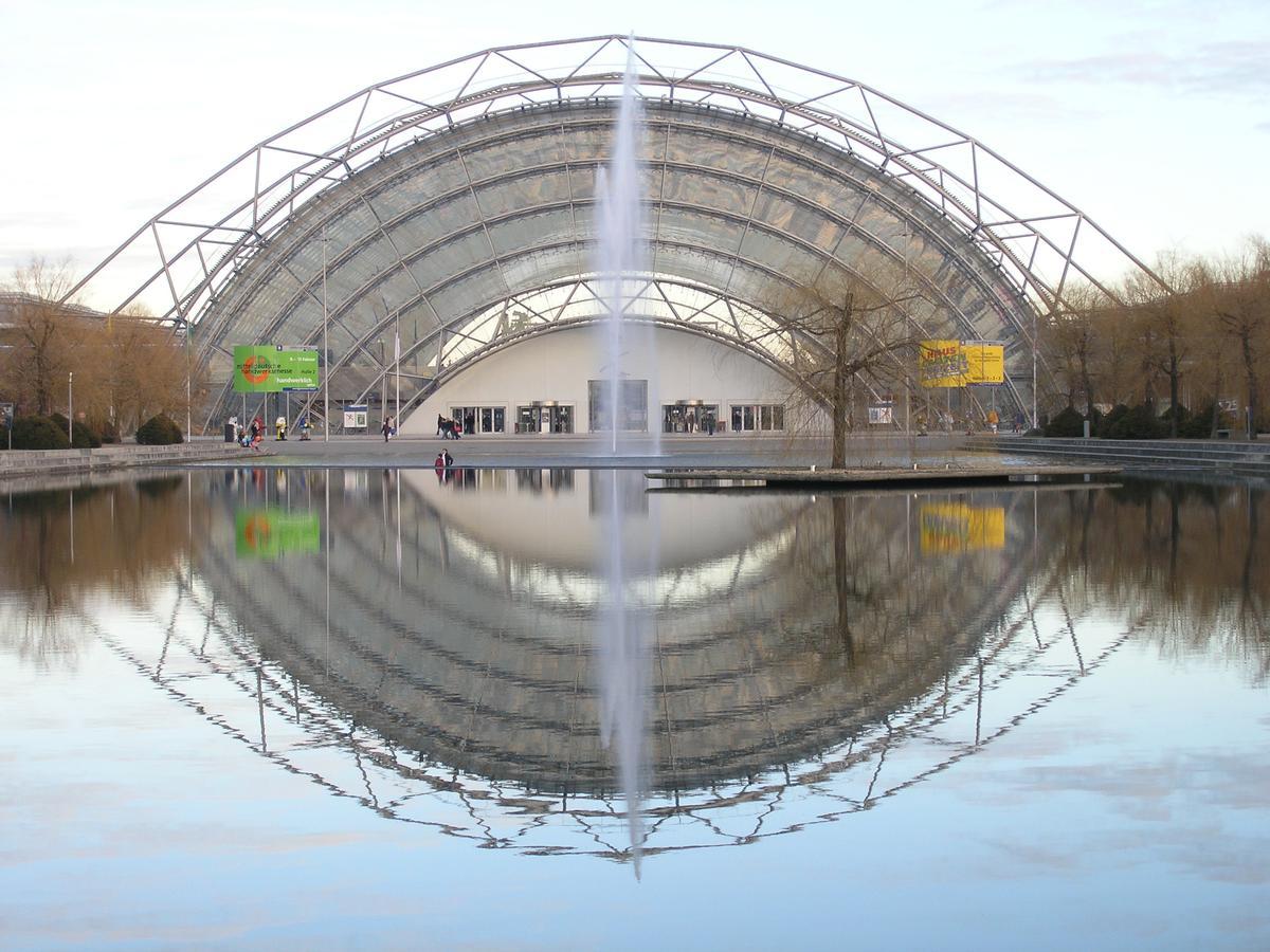 Neue Messe Leipzig, Eingangshalle West