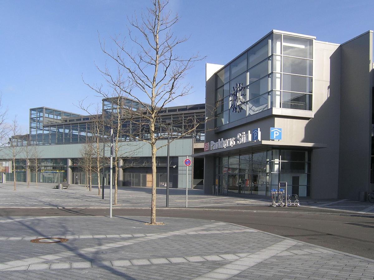 Parking sud de la gare de Berlin Südkreuz