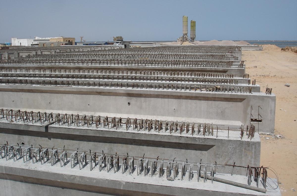 Neue Brücke am El-Kantara-Damm zur Insel Djerba