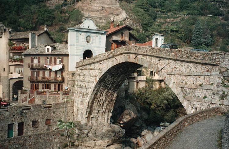 Pont St Martin