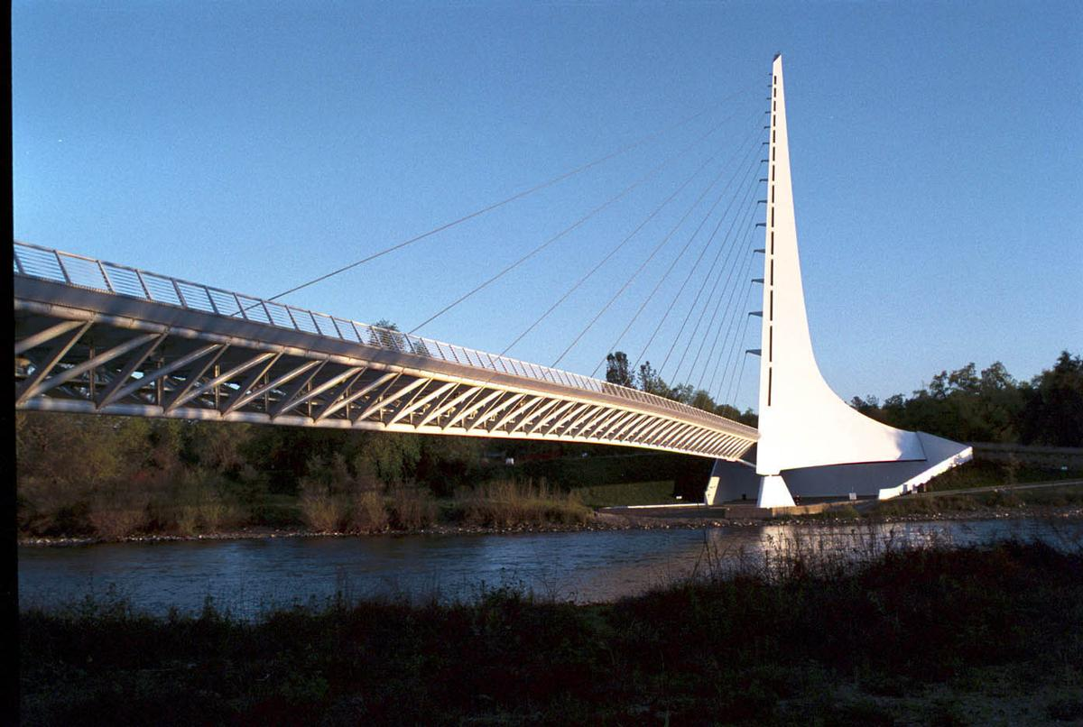 Turtle Bay Sundial Bridge