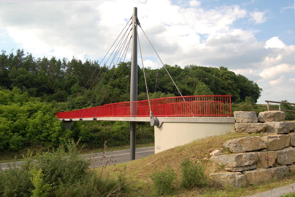 Geh- und Radwegbrücke über die B 295