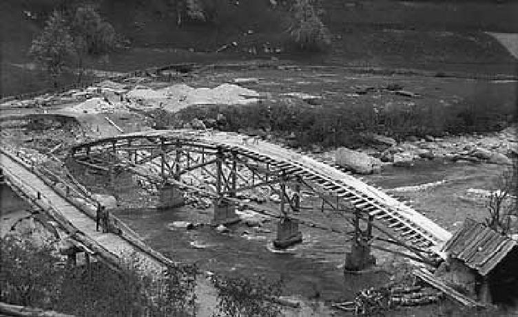 Tavanasabrücke im Bau Aus der Privatsammlung von Ignaz Derungs