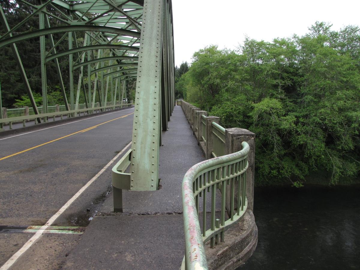 Siletz River Bridge sidewalk