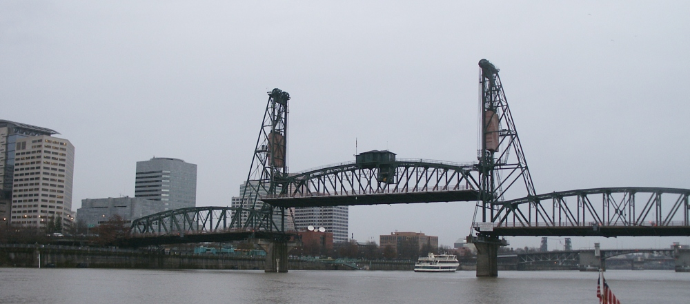 Hawthorne Bridge (raised)