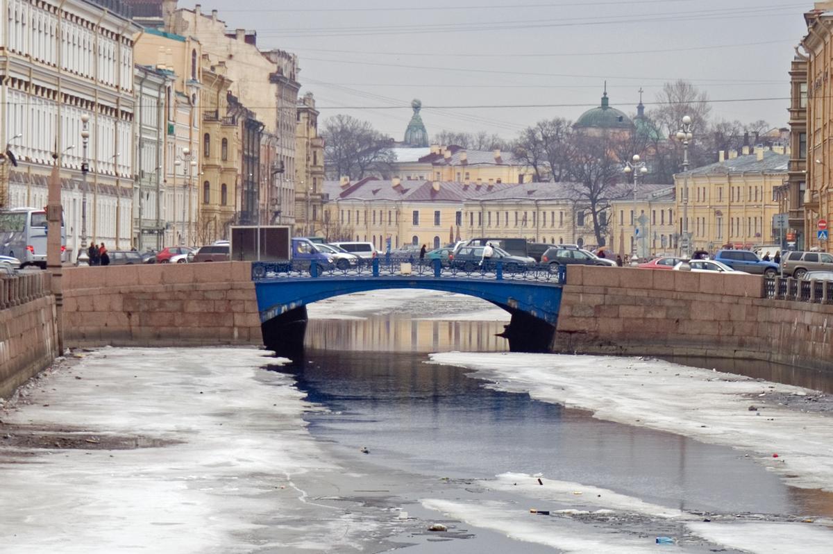 Pont bleu, Saint Pétersbourg
