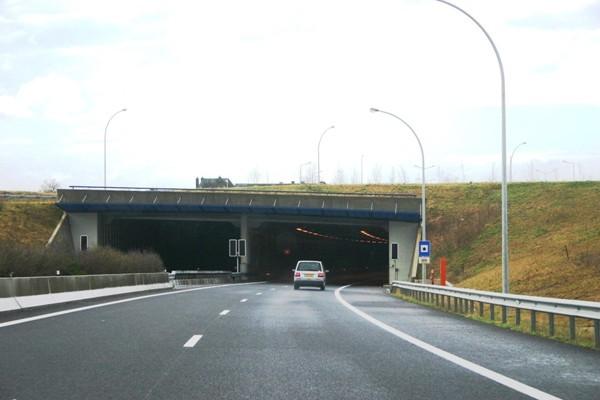 Unterführung Frisingen Kopf Schengen
