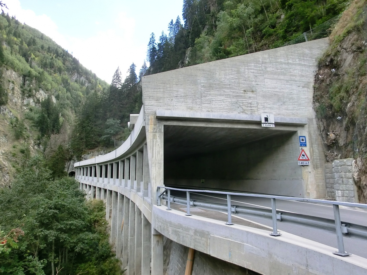 Val Zagrenda-Las Ruinas Tunnel northern portal