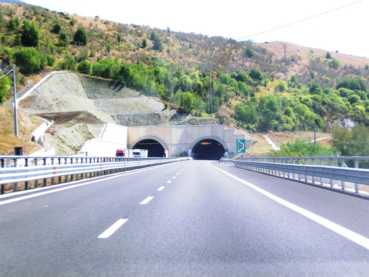 Tunnel Campotenese