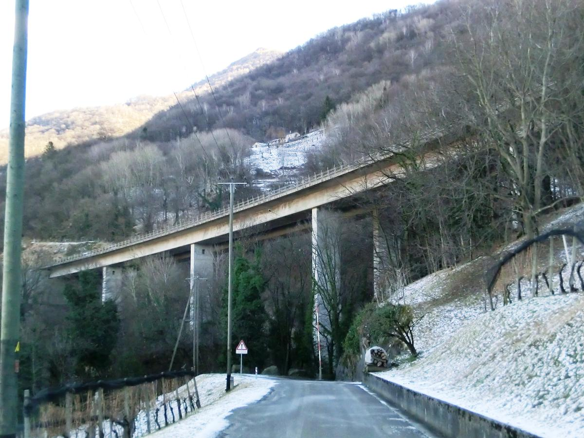 Autobahnviadukt Sasselli