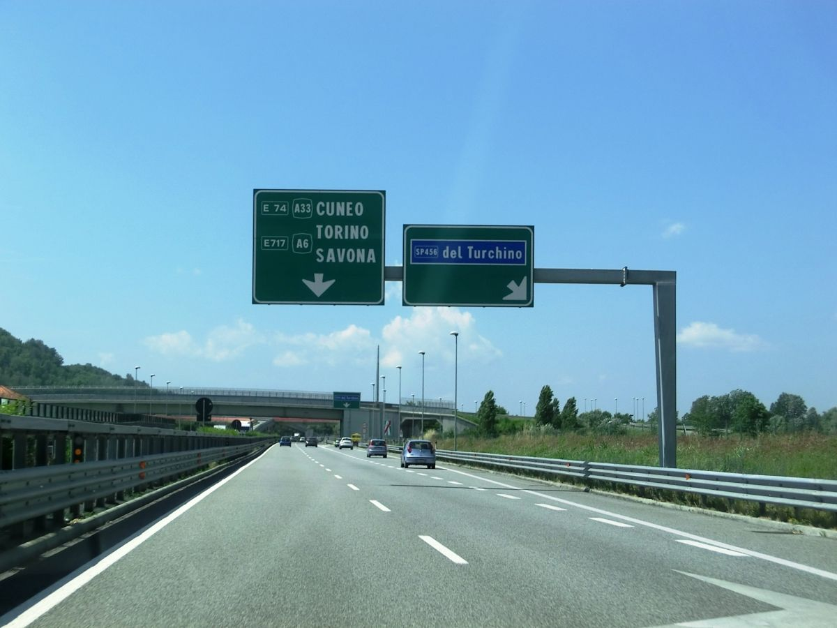 A 33 Motorway (Italy)