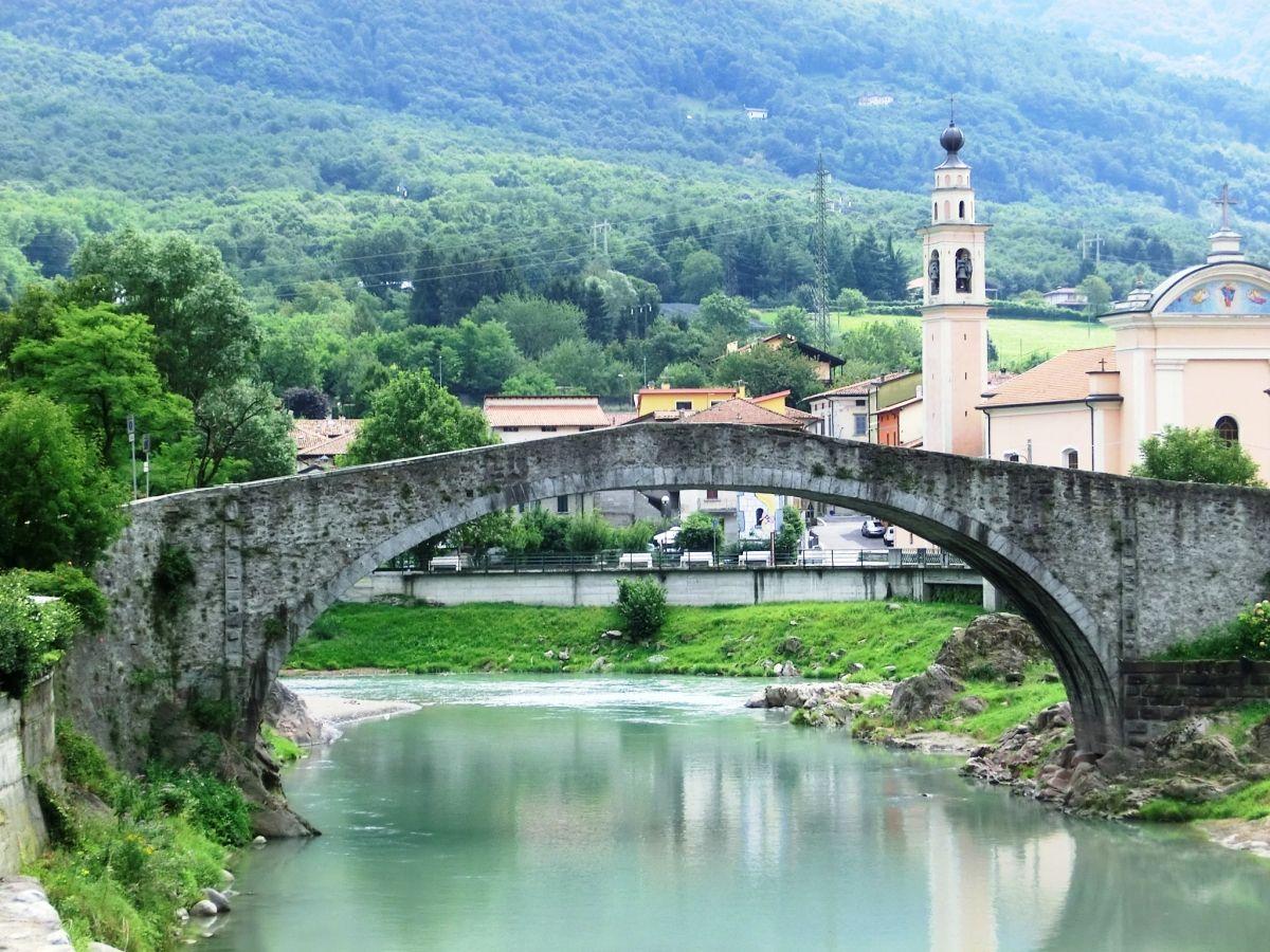 Alte Ogliobrücke Montecchio