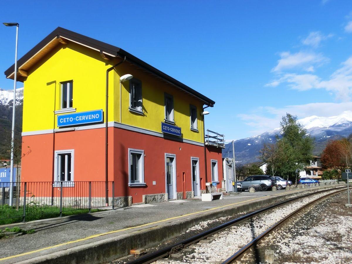 Ceto-Cerveno Station