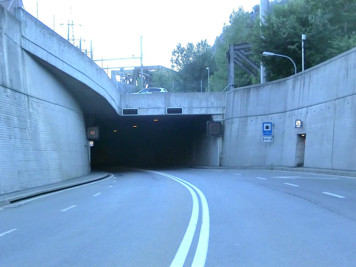 Tunnel unter der Eisenbahn in Brig