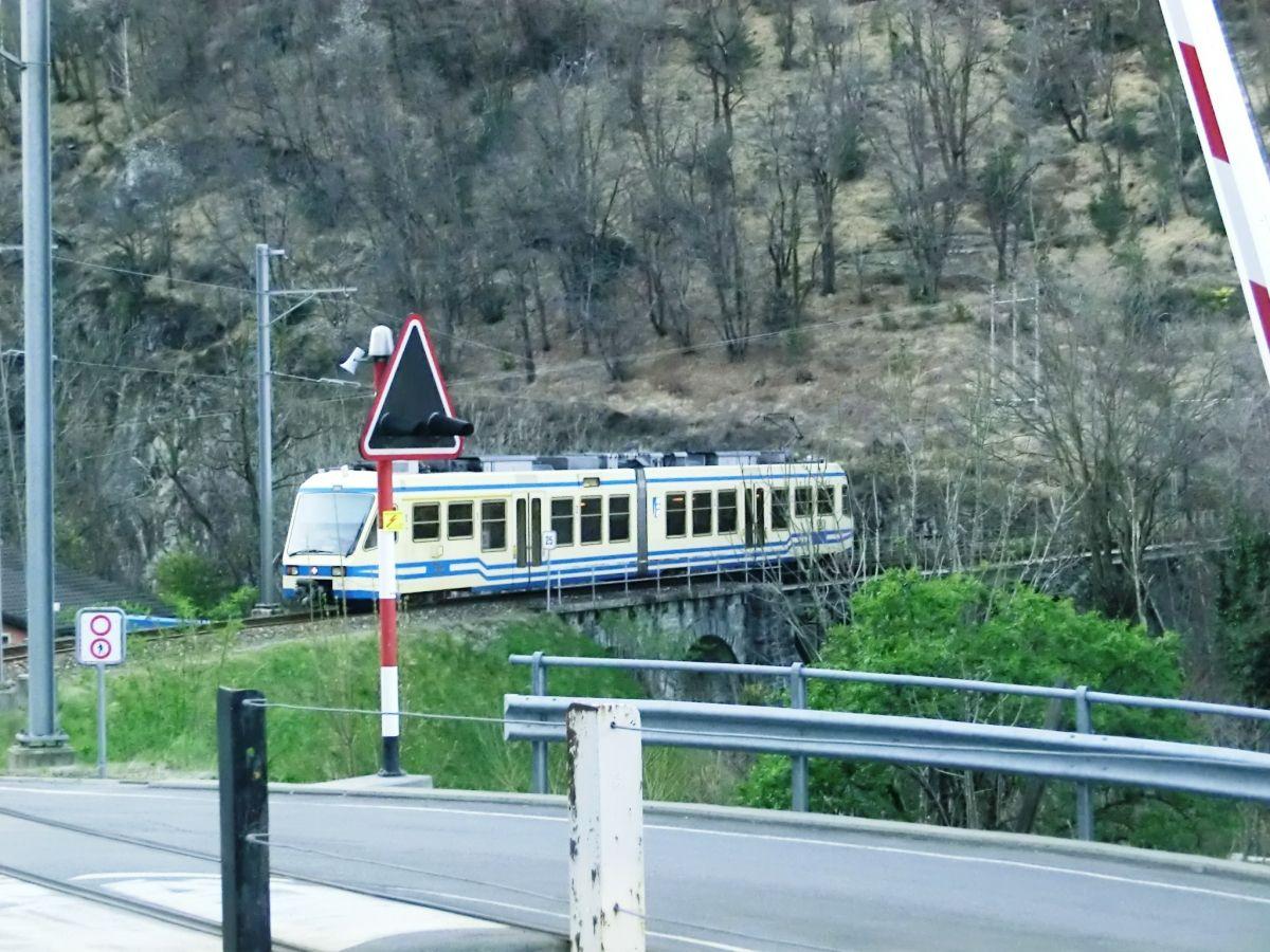 Vigezzina Railway at the beginning of Isorno Bridge