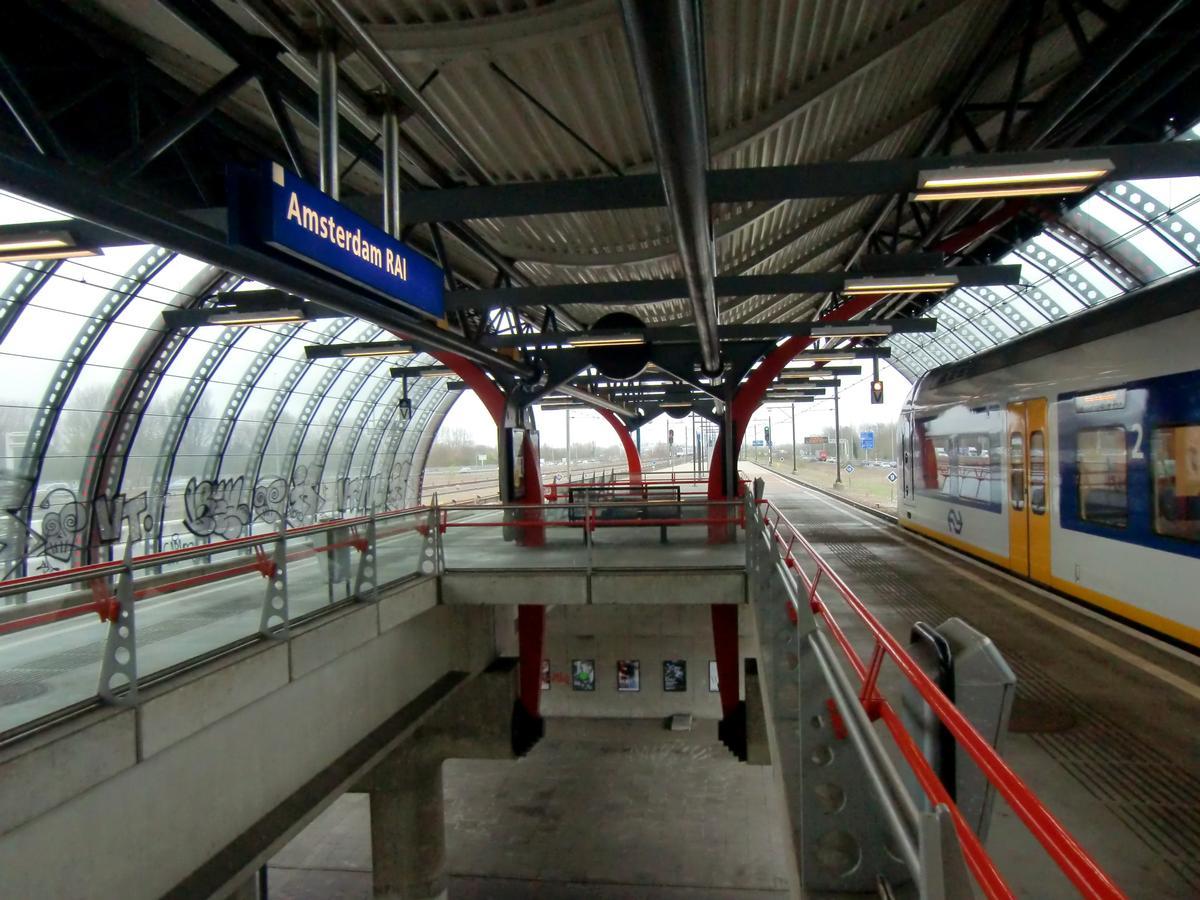 Bahnhof Amsterdam RAI