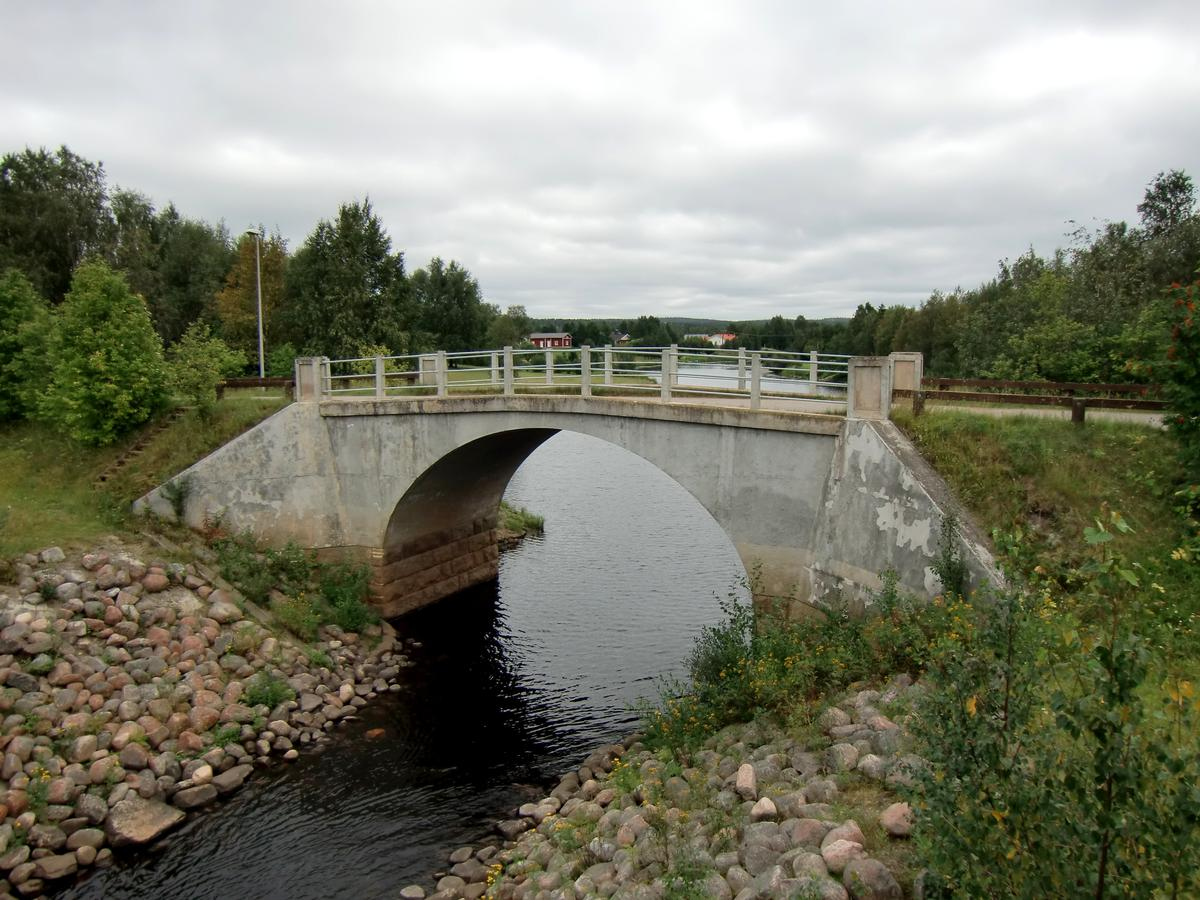 Saarenpudas Bridge