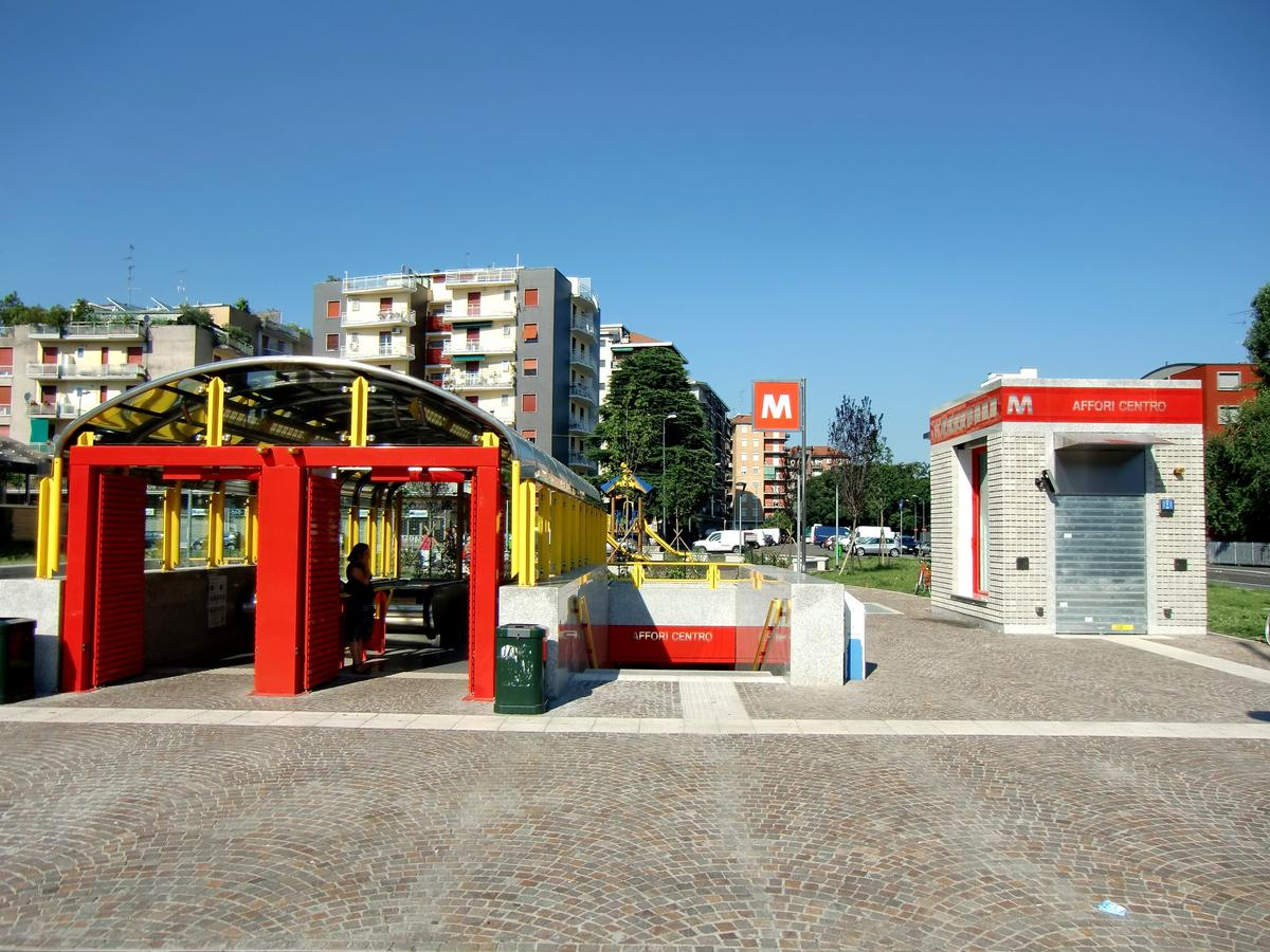 Affori Centro Metro station, access