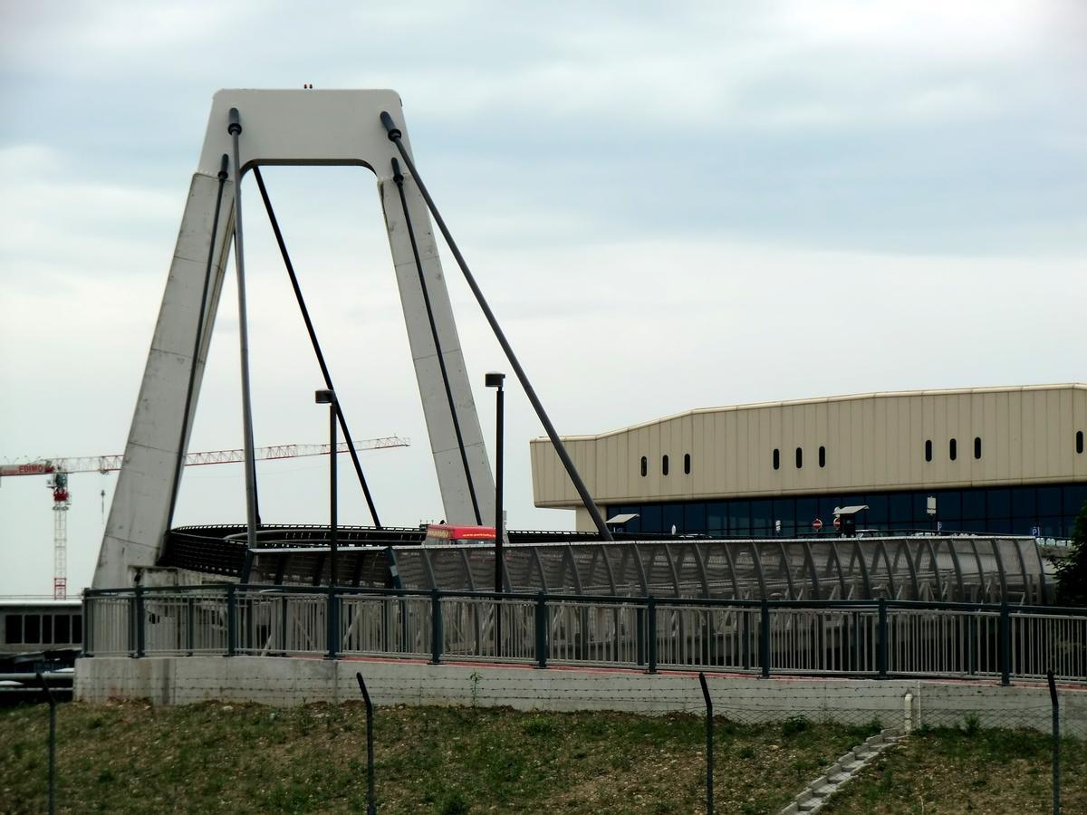 Pont haubané de l'aéroport de Malpensa