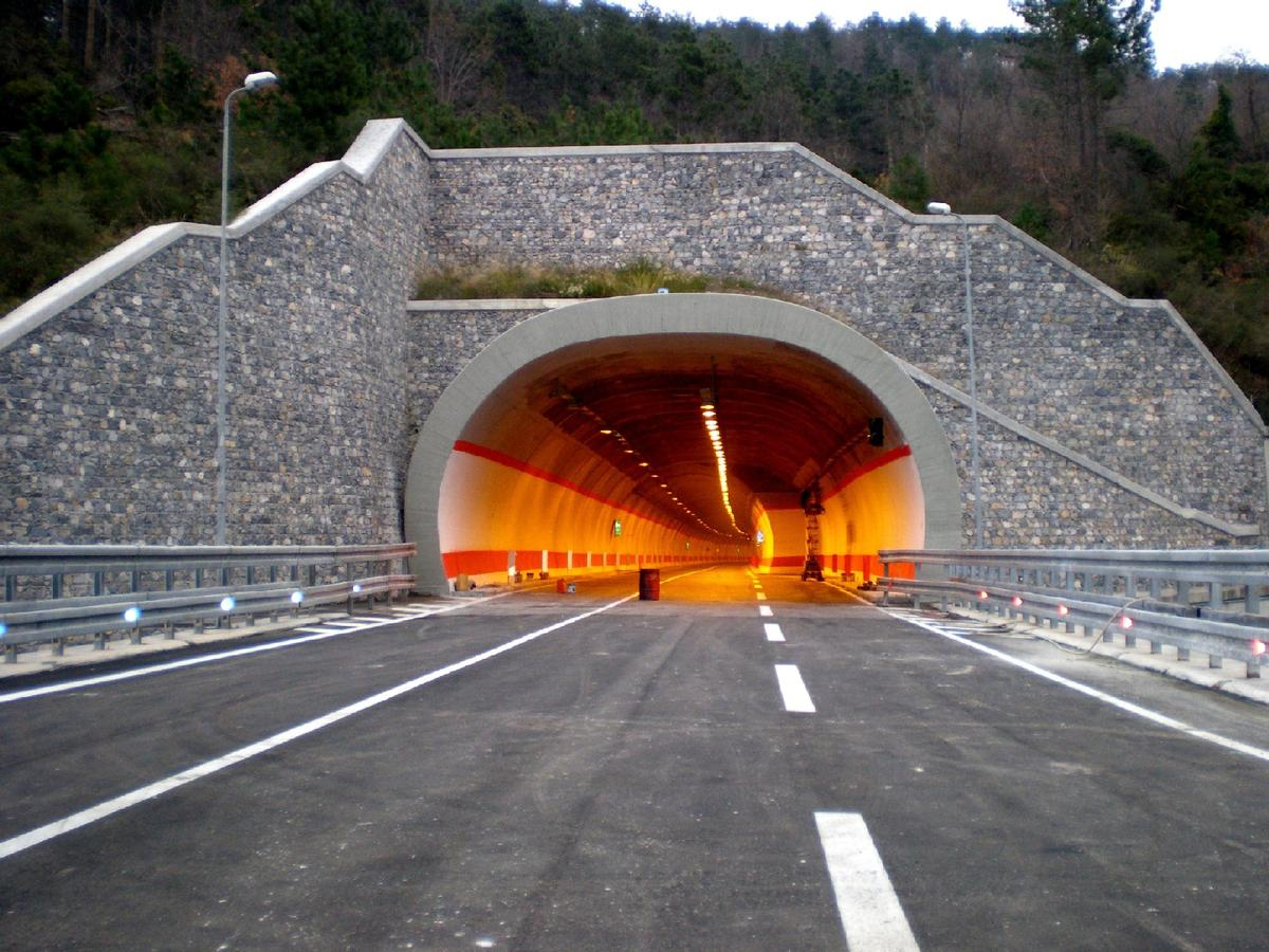 San Niccolò tunnel from Valgelata exit